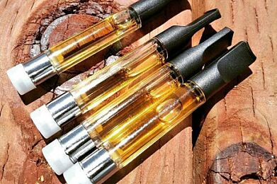 Buy 2x CO2 1000mg vape carts get one free!!!  Make selection in Cart - Also comes w free Pre-roll!!!