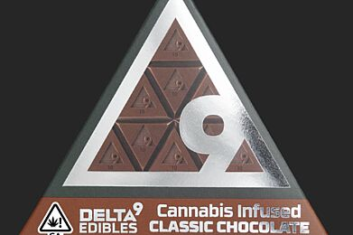 Delta 9 Edibles - Cannabis Infused Classic Chocolate 90mg
